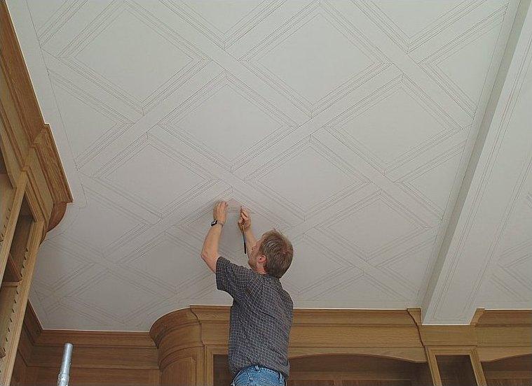 Faux finish houtimitaties gerealiseerd door het atelier van hoef - Plafond met balk ...