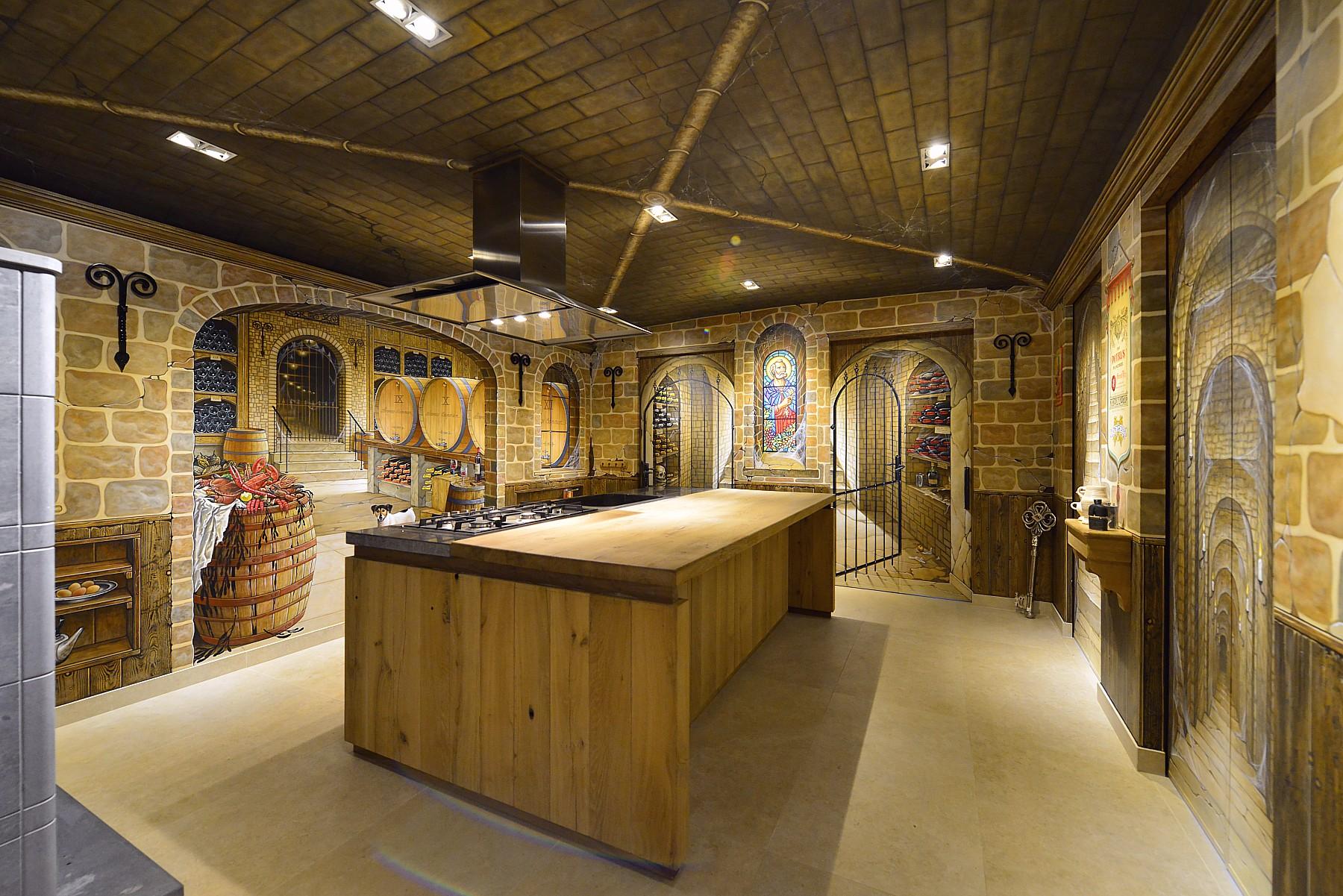 Muurschilderingen rond het thema wijnkelder in een keuken
